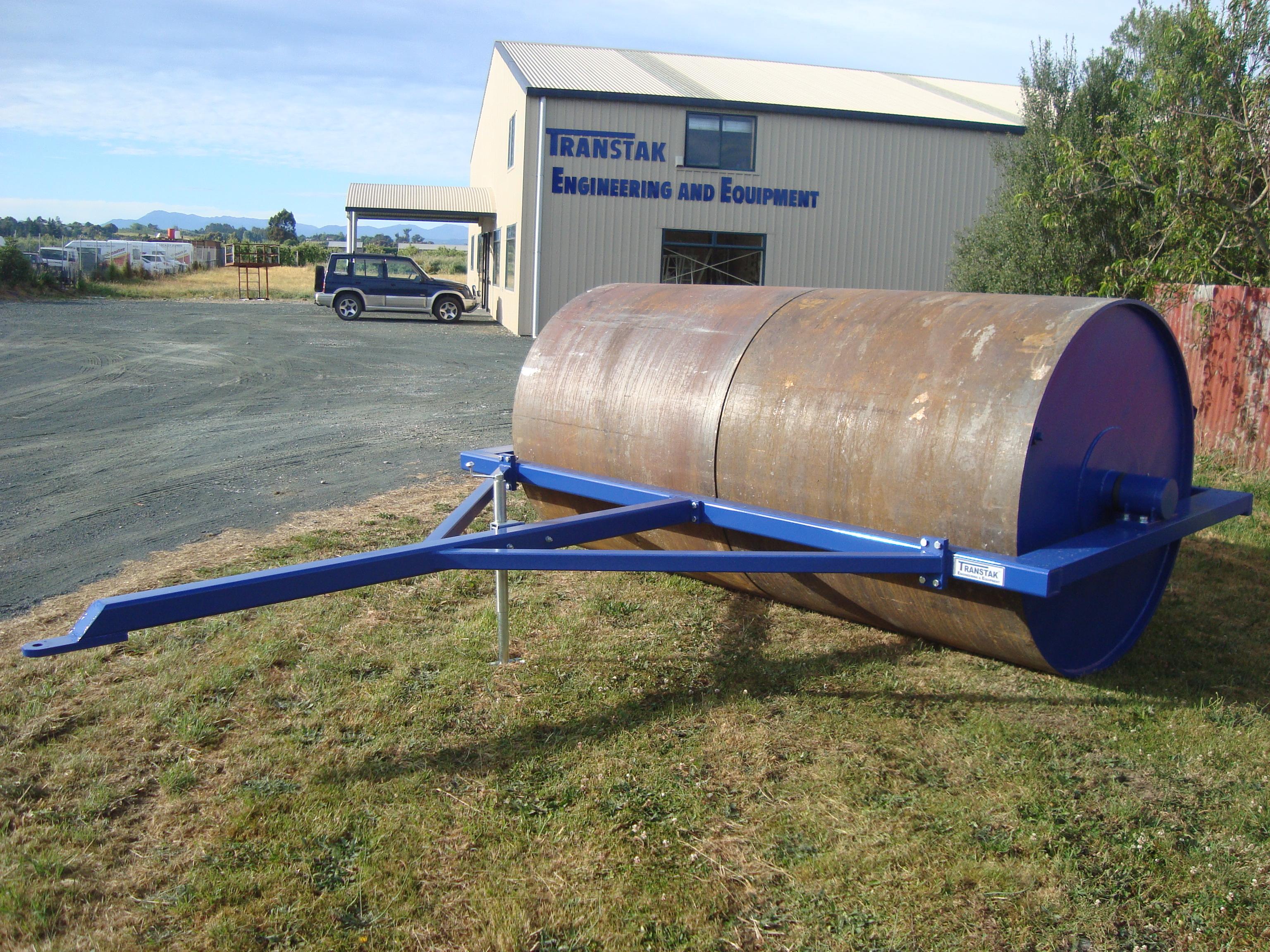 Model T3016 Field Roller